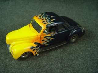 Danbury Mint Classic Cars 1940 Ford Hot Rod Twilight Blue w/ Yellow