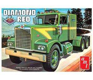 AM 719 DIAMOND REO RUCK MODEL KI 1/25 Scale Big Rig IN SOCK a AM