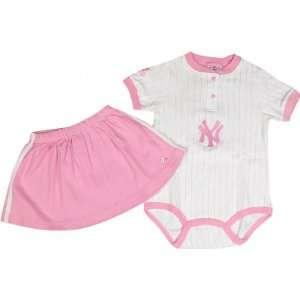 New York Yankees Girls Infant Pink Bodysuit With Skirt