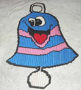HAPPY CHRISTMAS BELL PATTERN IN 7 MESH PLASTIC CANVAS