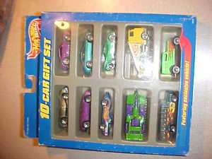 Hot Wheels 10 car Gift Set 1997 Toys R Us Green Ford