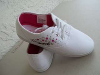 NEW UNIONBAY GIRLS WHITE SNEAKERS RHINESTONE & STUD $30