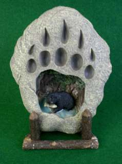 TABLETOP BEAR PAW PRINT NIGHT LIGHT ON LOG STAND CABIN LODGE
