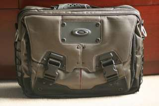 New Oakley Computer Bag 2.0 laptop case travel pack