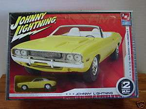 Johnny Lightning 1970 Dodge Challenger R/T Model Kit