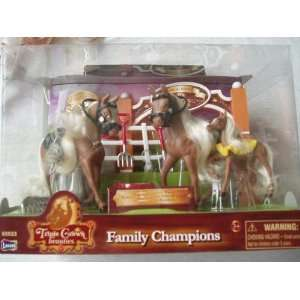 Beauties Tiny Champions   Rodeo Barrel Race Horse Set: Toys & Games