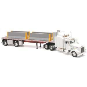 KENWORTH W900 FLATBED W/ BARRACK Truck New Ray Toys